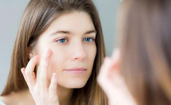 冻干粉对皮肤有什么用:功效及使用方法和适合的肌肤